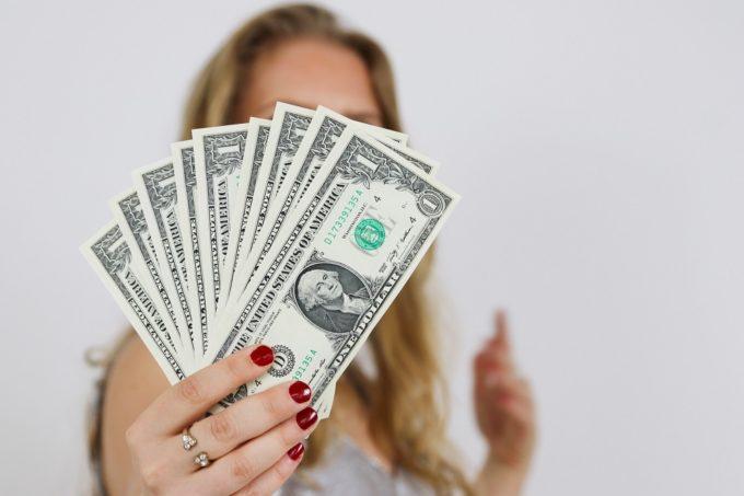 よく聞くお金を稼ぐ方法は簡単に稼げないものばかり
