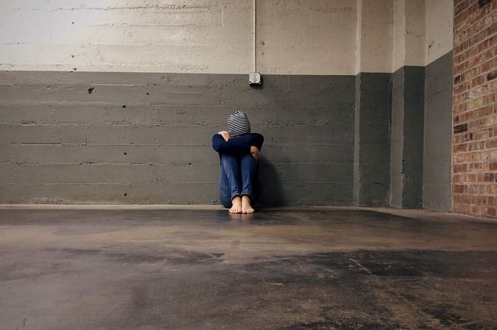 孤独死か自殺